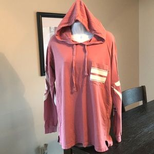 VS PINK hooded tee